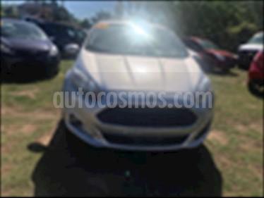 Ford Fiesta Sedan 4P S 5VEL 1.6L usado (2014) color Plata precio $145,000