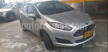 Ford Fiesta Sedan SE  usado (2016) color Plata precio $31.700.000
