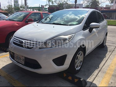 Foto Ford Fiesta Sedan First Ac usado (2011) color Blanco precio $98,000