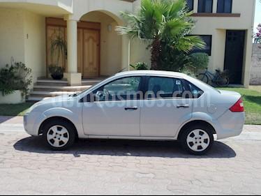 Foto Ford Fiesta Sedan First usado (2010) color Plata precio $67,500
