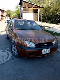 Foto venta Auto usado Ford Fiesta Sedan First  (2001) color Naranja Metalico precio $22,000
