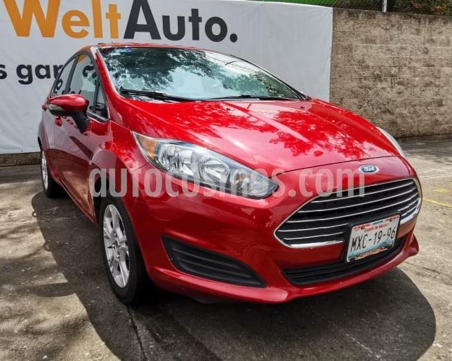Ford Fiesta Sedan SE usado (2016) color Rojo precio $145,000