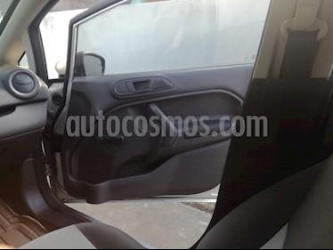 Ford Fiesta Sedan SE usado (2016) color Plata precio $135,000