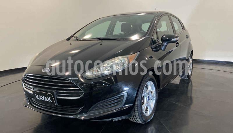 Ford Fiesta Sedan Version usado (2016) color Negro precio $157,999