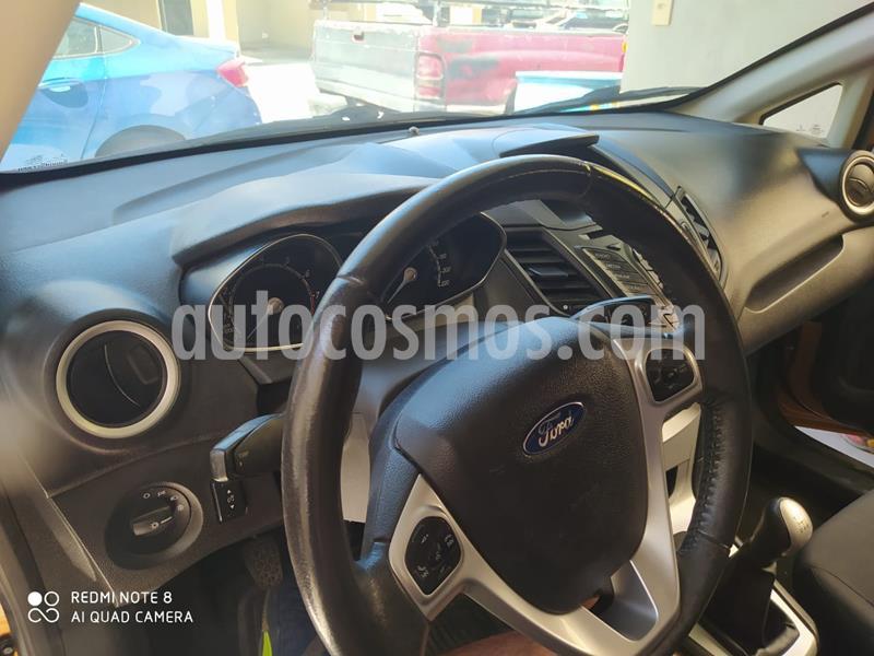 Ford Fiesta Sedan SE usado (2016) color Bronce precio $135,000