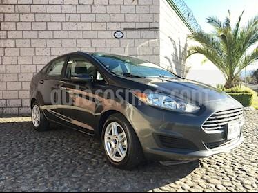 Ford Fiesta Sedan SE Aut usado (2017) color Gris precio $176,000