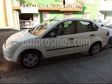 Ford Fiesta Sedan First  usado (2006) color Blanco precio $45,000