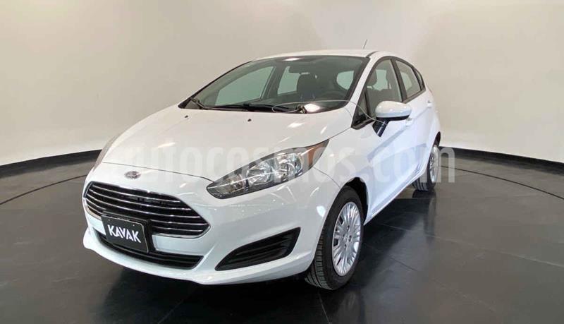 Ford Fiesta Sedan Version usado (2016) color Blanco precio $152,999