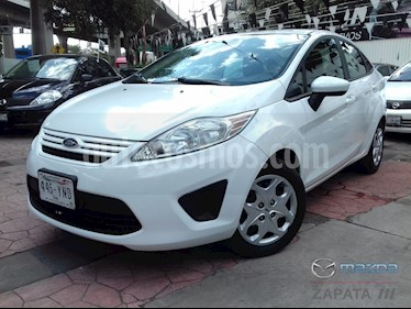 Foto Ford Fiesta Sedan S Aut usado (2013) color Blanco Oxford precio $105,000
