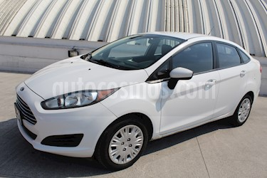 Foto venta Auto Seminuevo Ford Fiesta Sedan S Aut (2014) color Blanco Oxford precio $109,000