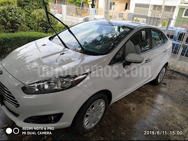 Foto Ford Fiesta Sedan S usado (2016) color Blanco Oxford precio $153,000