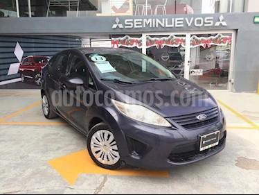 Foto venta Auto Seminuevo Ford Fiesta Sedan SE Aut (2013) color Azul Flama precio $125,000
