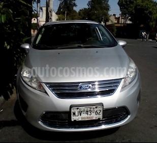 Foto Ford Fiesta Sedan SE Aut usado (2012) color Plata precio $105,000