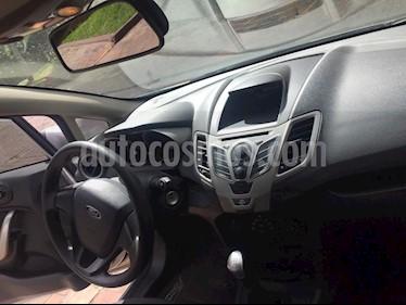 Ford Fiesta Sedan SE  usado (2012) color Plata precio $24.500.000