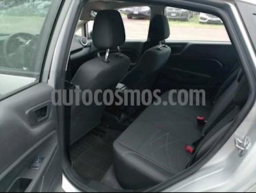 Foto venta Auto usado Ford Fiesta Sedan SE (2017) color Plata precio $194,500