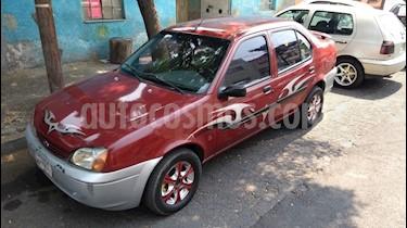 Foto venta Auto usado Ford Fiesta Sedan SE (2001) color Rojo precio $30,000
