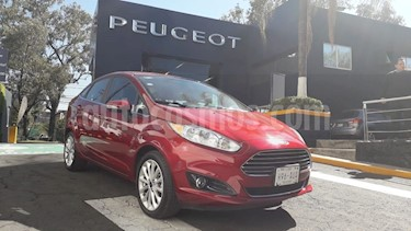 Foto venta Auto Seminuevo Ford Fiesta Sedan Titanium Aut (2017) color Rojo Rubi precio $239,900