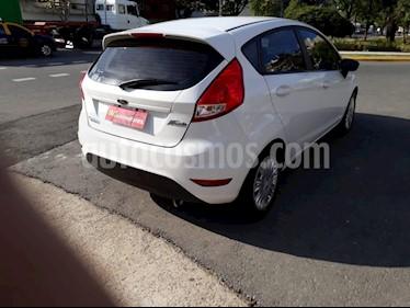 Ford Fiesta  - usado (2015) color Blanco precio $470.000