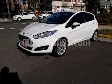 Ford Fiesta  - usado (2017) color Blanco precio $520.000