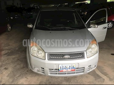 Foto venta carro usado Ford Fiesta 1.6L Aut (2010) color Plata precio u$s3.200