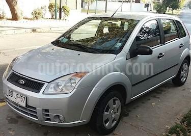Foto venta Auto usado Ford Fiesta 1.6L SE (2008) color Gris Plata  precio $2.400.000