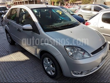 Foto venta Auto Usado Ford Fiesta  4P Max Edge TDCi (2005) color Gris Claro precio $135.000