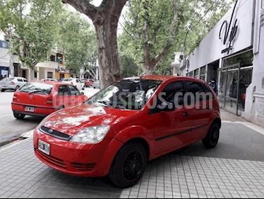 Foto venta Auto Usado Ford Fiesta  5P Ambiente Plus (LN) (2004) color Rojo precio $135.000