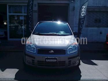 Foto venta Auto usado Ford Fiesta  5P Ambiente (2007) color Champagne