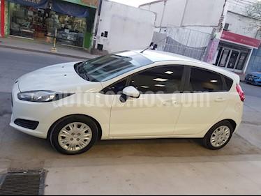 Ford Fiesta  5P LX 1.6  usado (2016) color Blanco precio $420.000