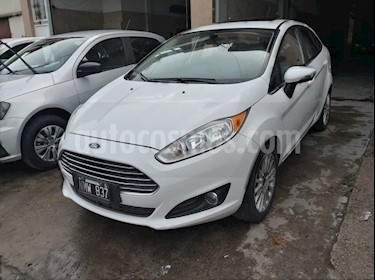 Foto venta Auto usado Ford Fiesta  5P Titanium Kinetic Design (2014) color Blanco Oxford precio $285.000