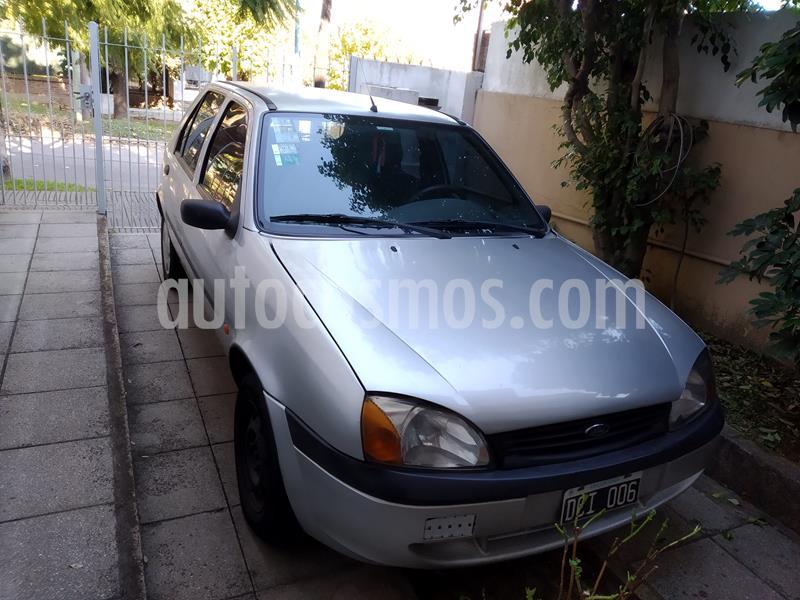 Ford Fiesta  5P LX 1.6  usado (2000) color Gris Plata  precio $180.000