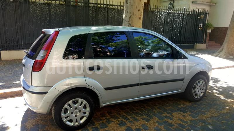 Ford Fiesta  5P Ambiente Plus usado (2003) color Gris precio $330.000