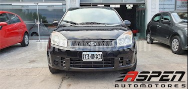 Ford Fiesta  5P Ambiente usado (2010) color Negro precio $270.000