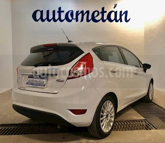 Ford Fiesta  5P Titanium Kinetic Design usado (2017) color Blanco precio $11.111.111