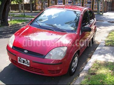 Ford Fiesta  5P Ambiente usado (2005) color Rojo precio $160.000