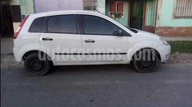 Ford Fiesta  5P Ambiente usado (2007) color Blanco precio $195.000