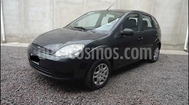 Ford Fiesta  - usado (2006) color Gris Oscuro precio $240.000