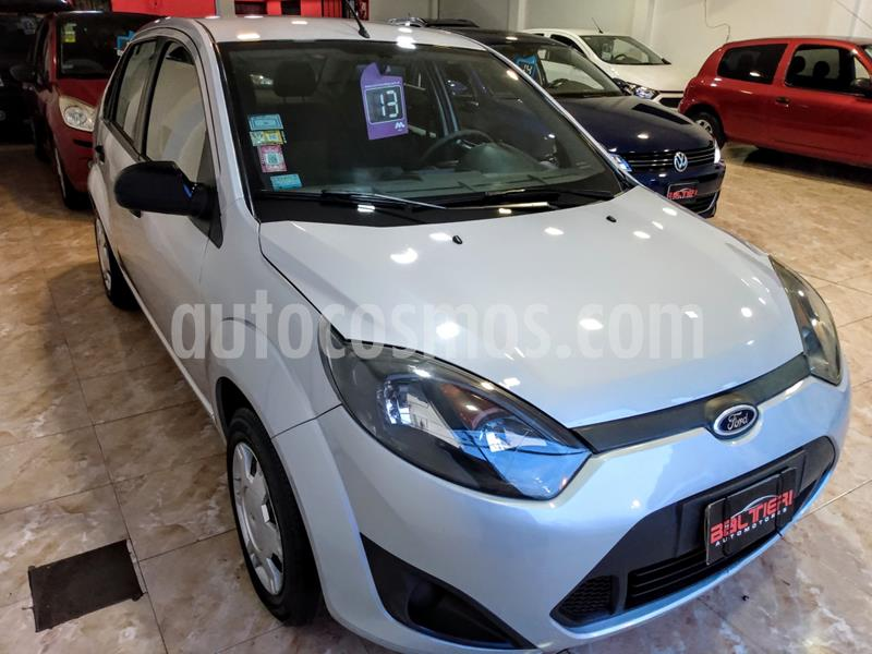 Ford Fiesta  Ambiente usado (2013) color Gris Claro precio $450.000