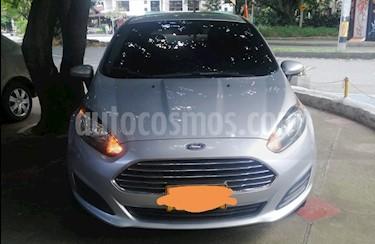 Ford Fiesta SE Aut usado (2014) color Plata precio $33.500.000