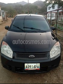 Foto venta carro usado Ford Fiesta Max (2010) color Negro precio BoF28.000