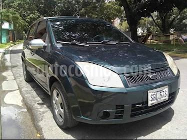 Foto venta carro usado Ford Fiesta Max (2009) color Verde precio u$s2.900