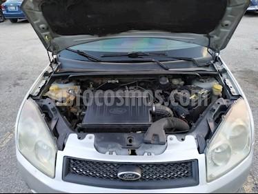 Foto Ford Fiesta Max usado (2009) color Plata precio BoF3.200