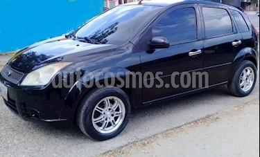 Foto venta carro Usado Ford Fiesta Max (2010) color Negro precio u$s2.300
