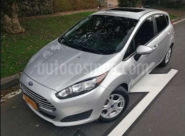 Foto venta Carro usado Ford Fiesta SE Aut (2015) color Plata Puro precio $31.500.000