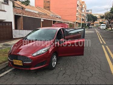 Ford Fiesta SE usado (2015) color Rojo Rubi precio $34.000.000