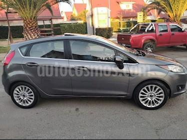 Ford Fiesta Titanium 1.6L usado (2014) color Gris precio $5.590.000