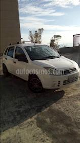 Ford Fiesta Max usado (2010) color Blanco precio u$s2.000