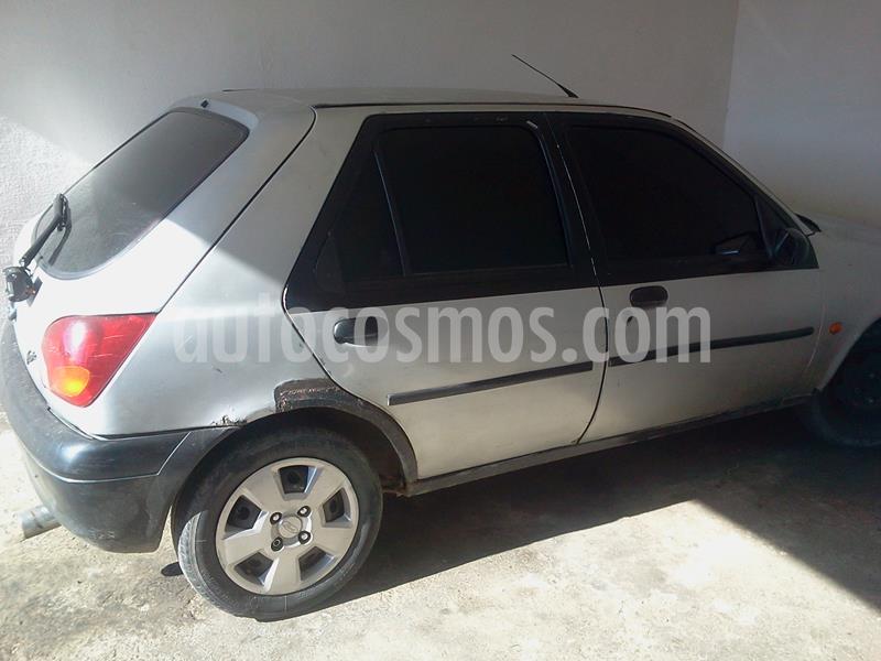 Ford Fiesta 2p L4,1.3i,8v S 1 1 usado (1999) color Plata precio u$s950