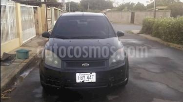 Ford Fiesta Max usado (2008) color Negro precio u$s1.300