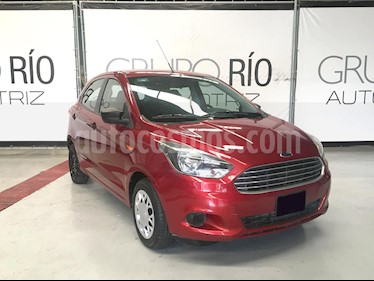 Foto Ford Figo Hatchback Impulse A/A usado (2017) color Rojo Rubi precio $129,000